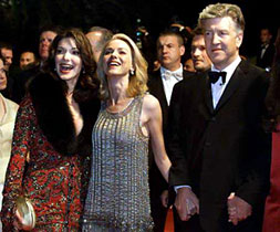 David Lynch and his cast at Cannes 2001